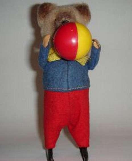 Schuco 964 Dance Figure Bear