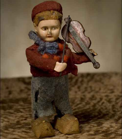 Schuco 979/2 Dance Figure Dutch boy with violin