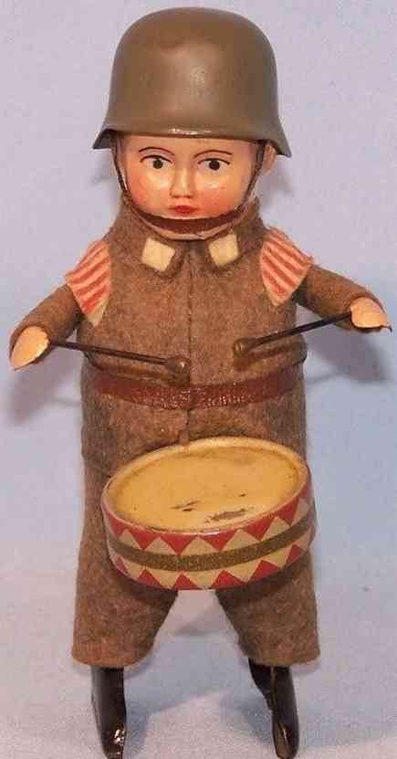 schuco 991/1 tin dance figure empire soldier with drum and clockwork