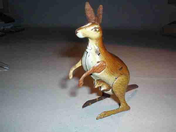 koehler 32 blech spielzeug springendes känguruh mit kind und uhrwerk, mit filzohren