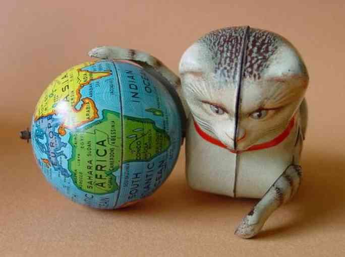 koehler blech katze mit globus als ball uhrwerk