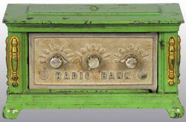 Kenton Hardware Co Spardosen Radio green