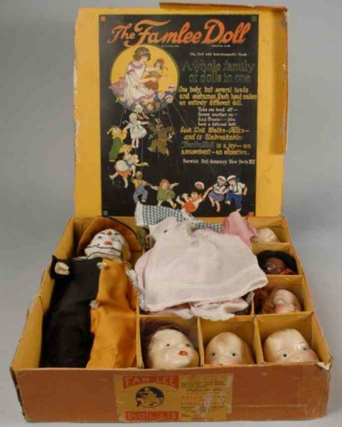 Berwick Doll Co Puppen The Famlee Doll Set, die Hauptpuppe hat einen Massekopf, S